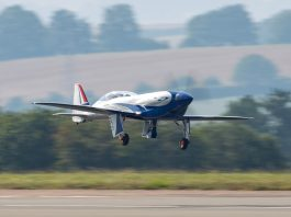 Rolls-Royce's all-electric aircraft completes 15-minute maiden voyage